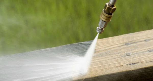 So sánh Phun nước áp lực cao và Phun cát làm sạch bề mặt